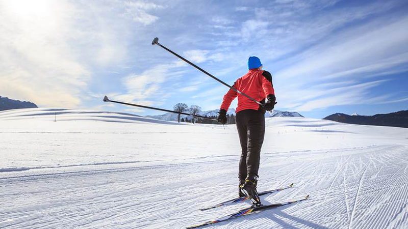 7.LLBean-Outdoor-Discovery-Cross-Country-Skiing
